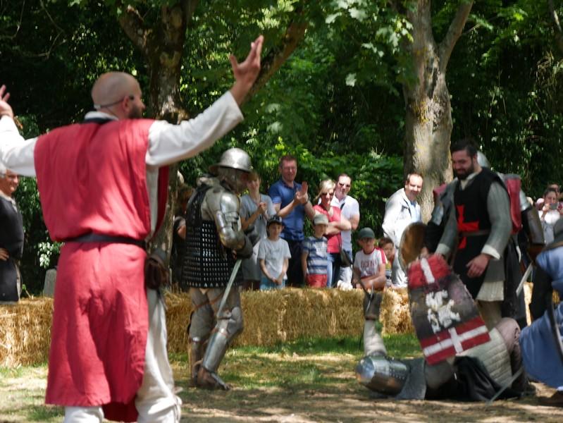 combats fete medievale crecy la chapelle (4)