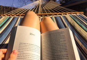 Bibliothèque à l'heure d'été